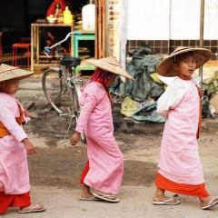 Birma – opowieść o kraju przez pryzmat spotkanych ludzi, smaków, widoków i zasłyszanych historii / 22 października 2015