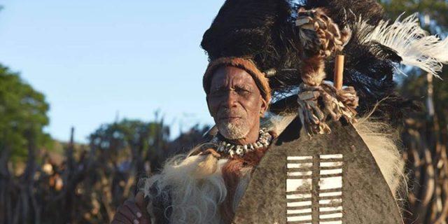 Rytuały przejścia z królem Zulusów oraz wołanie Sangoma