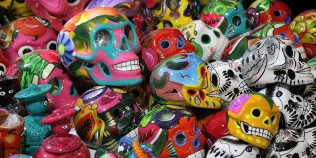 Czaszki, ołtarze i duchy przodków. Meksykańskie Święto Zmarłych | Spotkanie z Olą Synowiec