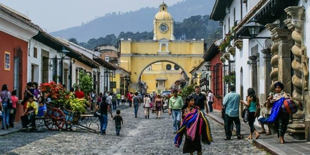 Barwna mozaika krajów Ameryki Środkowej
