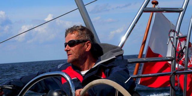 Przez oceany, samotnie, bez zawijania do portów. Spotkanie z Kapitanem Tomaszem Cichockim | Z GILDIĄ TAM I Z POWROTEM |